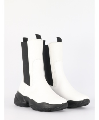 Interaction chelsea boots