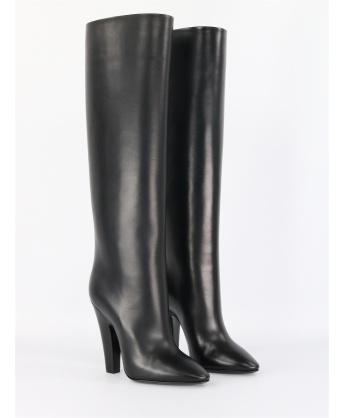 68 Tube boots in black leather